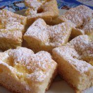 Jemná buchta s ananasem recept
