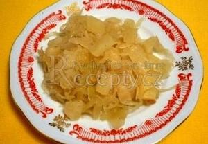 Zelí s ananasem jako příloha