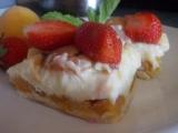 Jemný dezert s pudingovým tvarohem a meruňkami recept ...