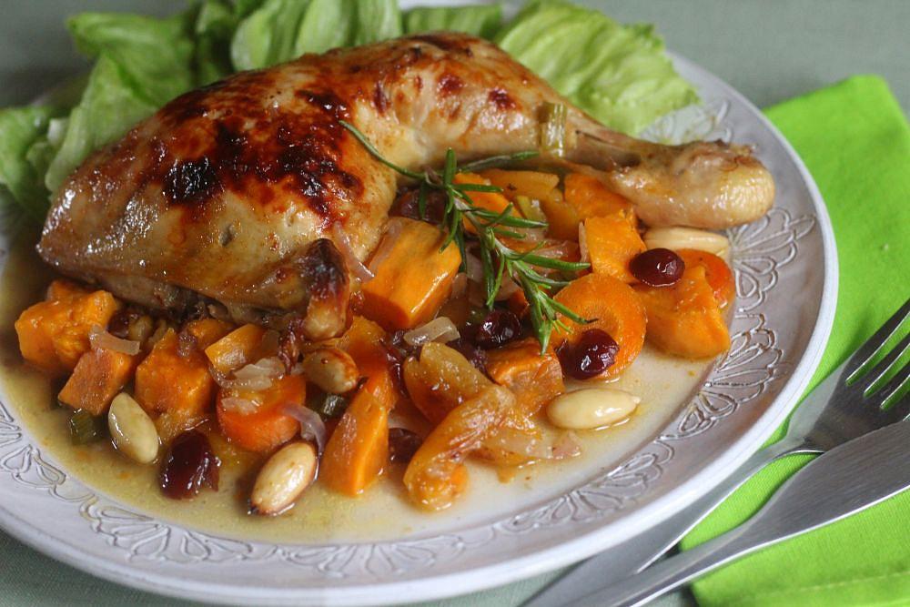 Kuře pečené s batáty, mrkví a sušeným ovocem recept  TopRecepty ...