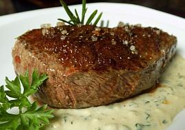 Hovězí steak s omáčkou z Nivy a libečku recept
