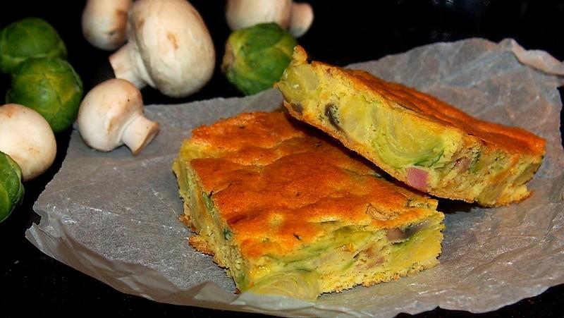 Slaný koláč s kapustičkami a žampiony recept