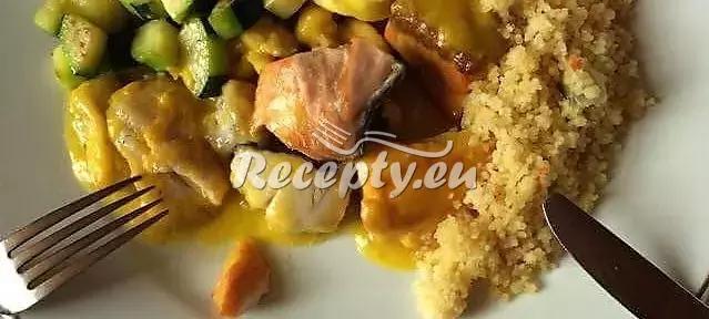 Salát z konzervovaných makrel recept  fitness recepty