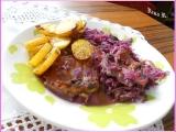 Kuřecí steak na červeném zelí a smetaně recept