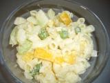 Těstovinový salát s česnekem recept