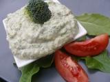 Brokolicový dip z košťálu recept