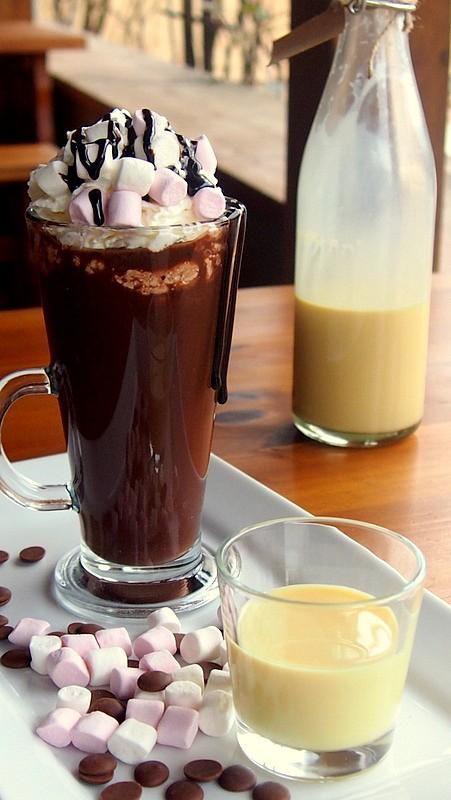 Horká čokoláda s likérem recept