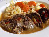 Hovězí roládky s celerem, kapií a květákovou rýží recept ...