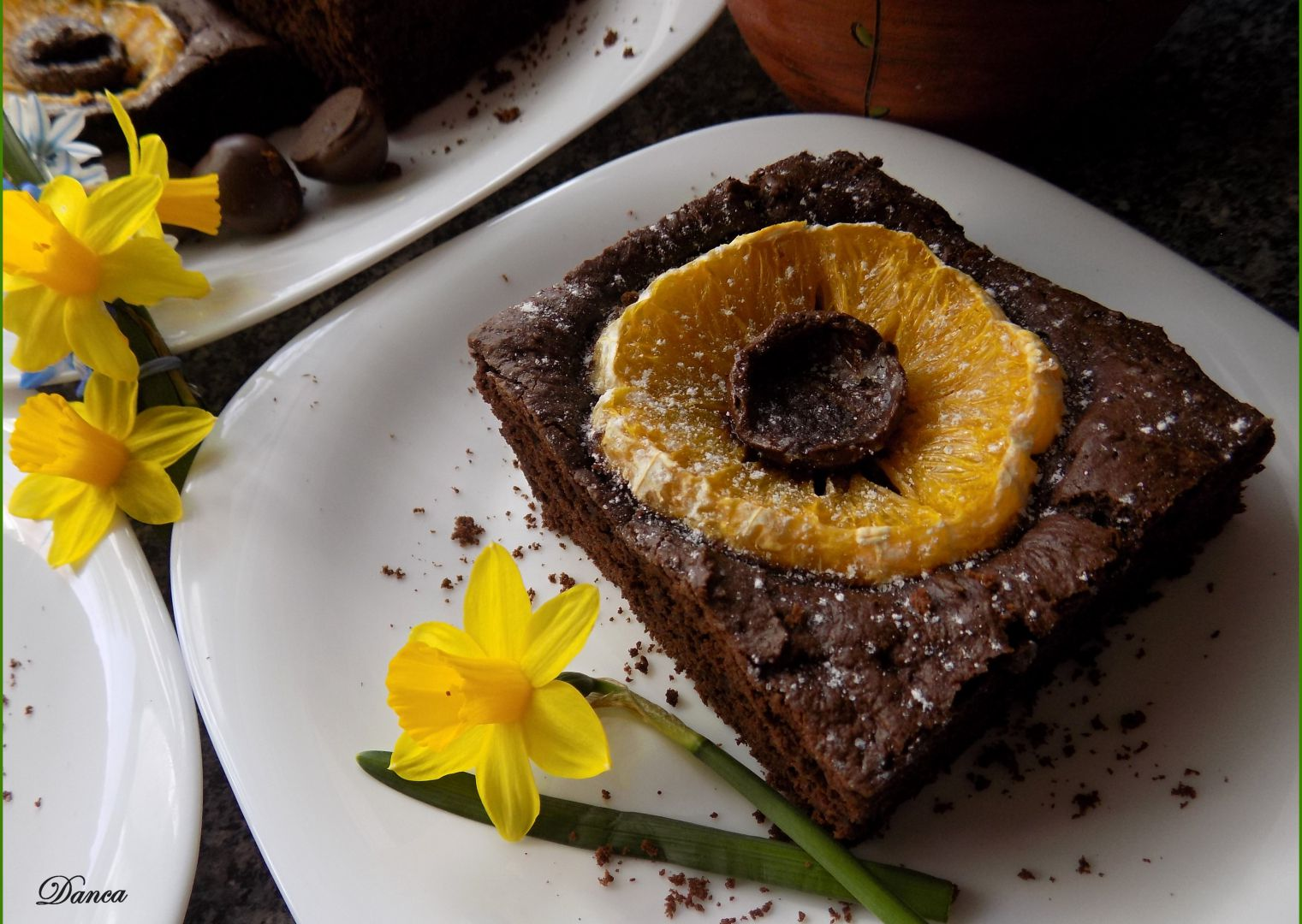 Kakaové řezy s pomerančem a pralinkami recept