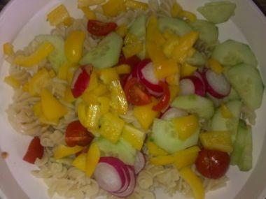 Těstovinový salát s majonézou