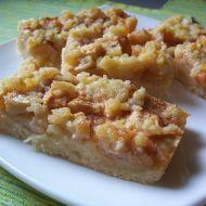 Jablečný šťavnatý koláč recept