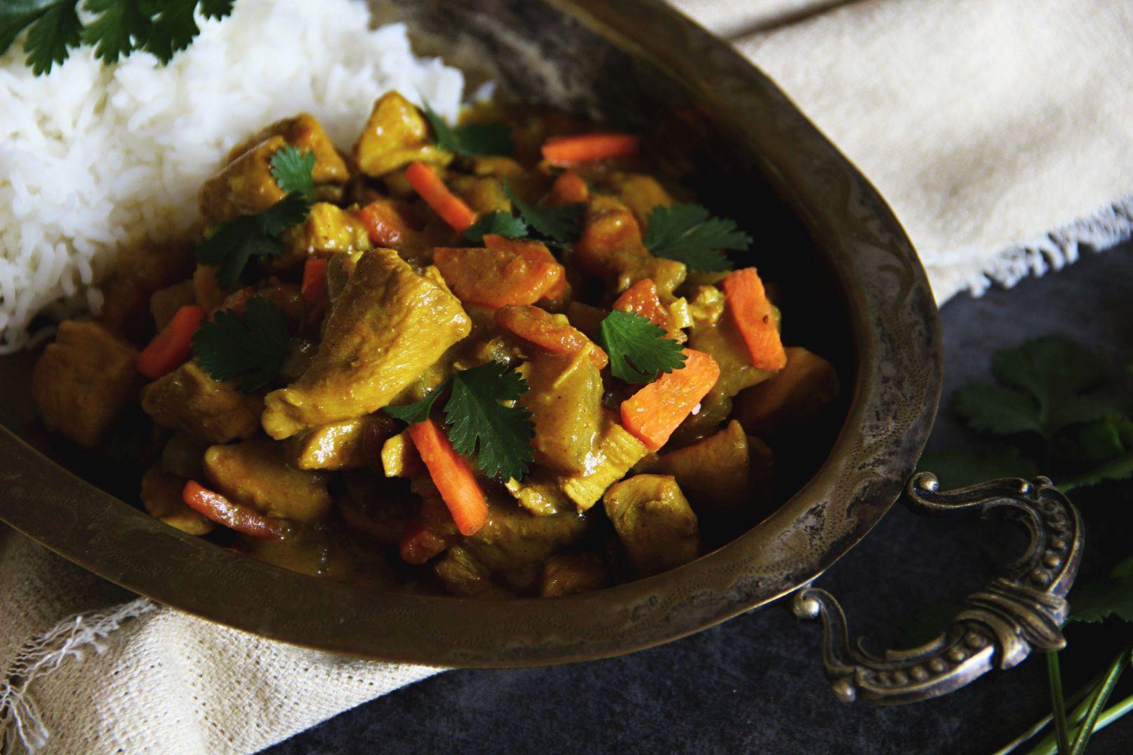 Kuřecí na curry s kedlubnem a mrkví recept
