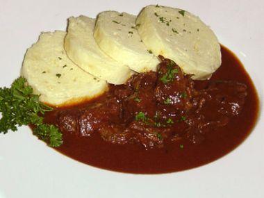 Hovězí guláš recept (na houbách)