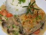 Kuřecí stehna dušená na bylinkách a naložených houbičkách recept ...
