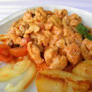 Pikantní kuřecí nudličky v červené omáčce recept