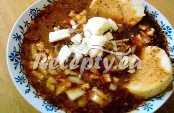 Vepřový guláš se smetanou recept  vepřové maso