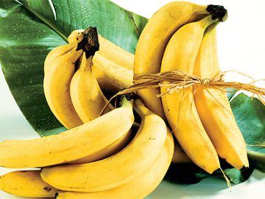 Banánový salát s karamelem
