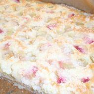 Rychlý rebarborový koláč s drobenkou recept