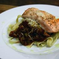 Tagliatelle s houbovou směsí a lososem recept