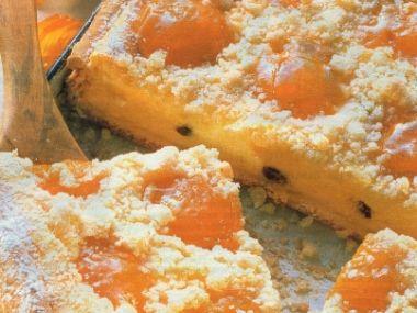 Meruňkový koláč se žmolenkou