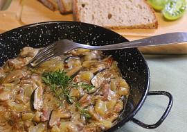 Papriky s houbami na slanině recept