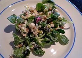 Jarní salát s polníčkem a sedmikráskou  vegan recept  TopRecepty ...