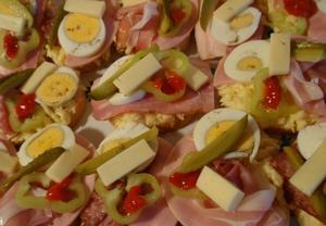 Bramborovo-česneková pomazánka se sýrem