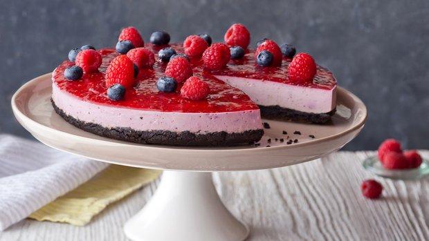Nepečený malinový cheesecake s Oreo sušenkami