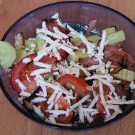 Míchaný salát s balkánským sýrem a šunkou recept