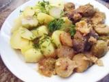 Vepřové maso zapečené s růžičkovou kapustou, česnekem a sýrem ...
