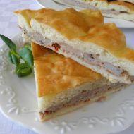 Slaný kynutý koláč s masem recept