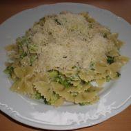 Těstoviny s brokolicí a sýrem recept