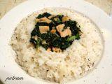 Uzený losos se špenátem a cibulovou rýží recept