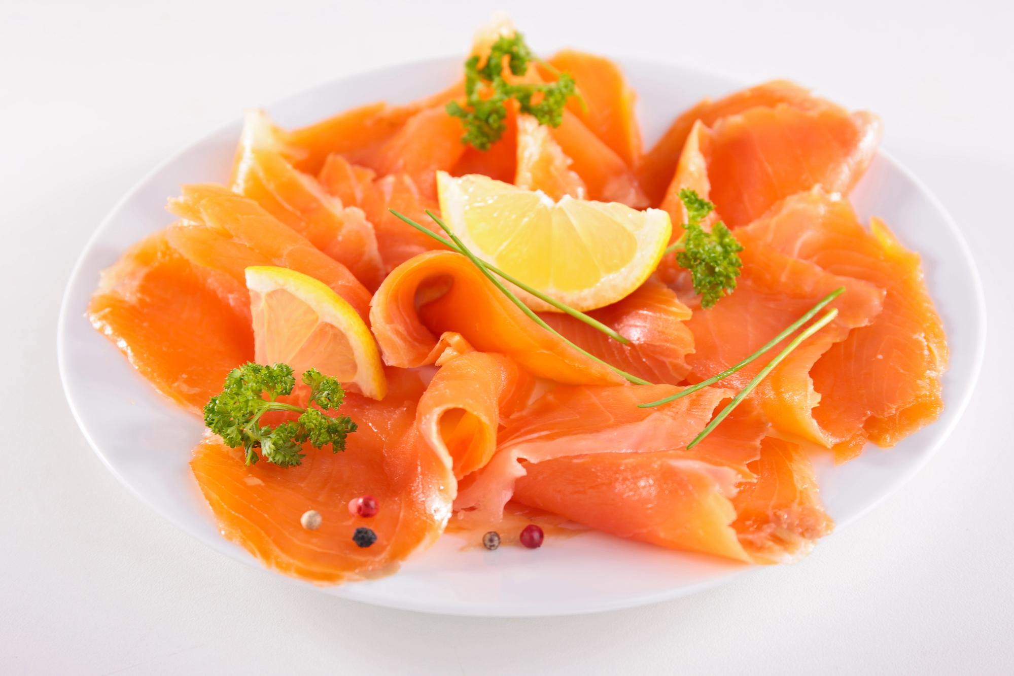 Uzený losos s citrusovou zálivkou recept