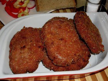 Karbanátky z vařeného masa a salámu