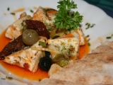 Naložený hermelín s olivami a sušenými rajčaty recept  TopRecepty ...