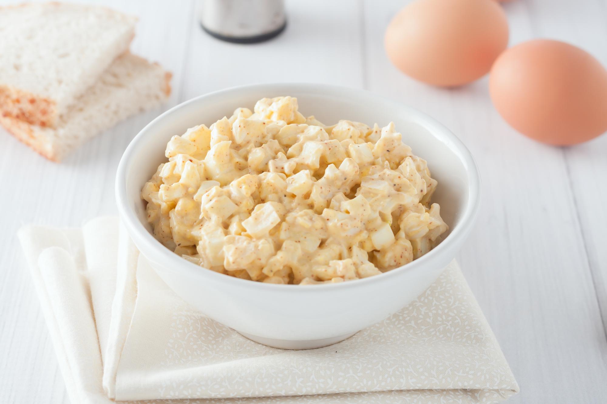 Vajíčkový salát s domácí majonézou recept