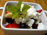 Ovocný salát s cottagem v light verzi recept
