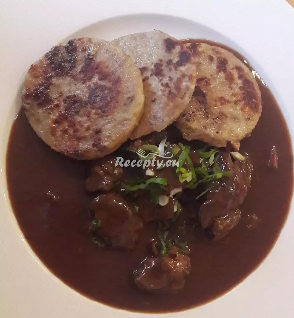 Zámecký guláš recept  hovězí maso