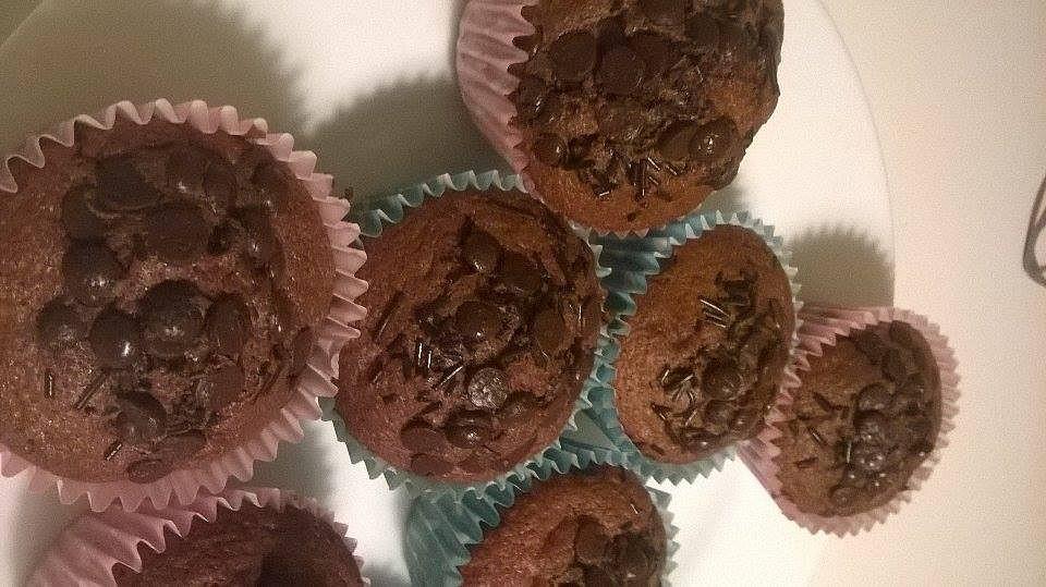 Čokoládové muffiny s čokoládovou posypkou recept