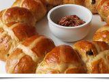 Velikonoční věnec (Hot cross buns) recept
