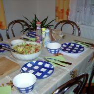 Kedlubnový salát s pečenými brambory recept