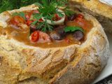 Pikantní fazole v chlebu recept