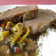 Dušené hovězí maso s žampionovou směsí recept