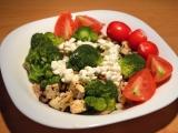Tofu s žampióny, česnekem a brokolicí recept