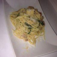 Italské špagety s listovým špenátem a parmazánem recept