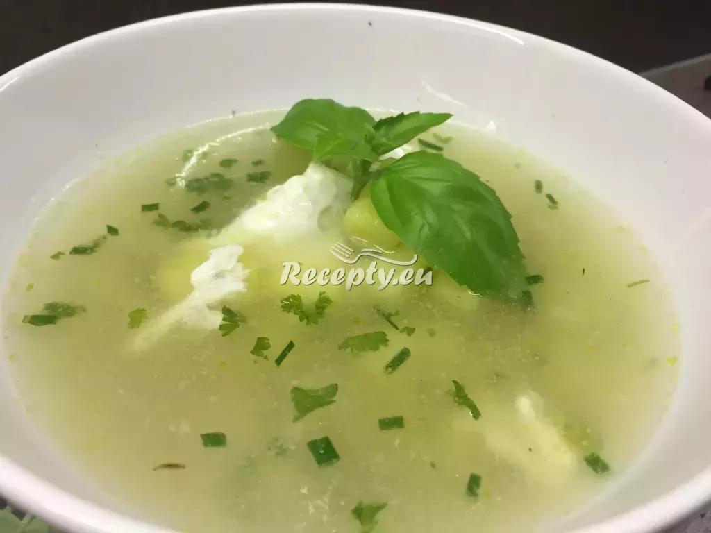 Česneková polévka s krupkami recept  polévky