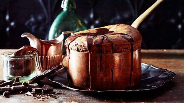 Čokoládové soufflé s lískooříškovým ganášem