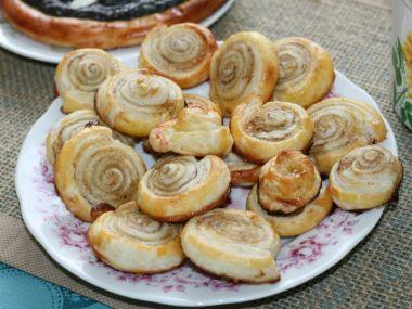 Medovo-skořicový šnečci z listového těsta