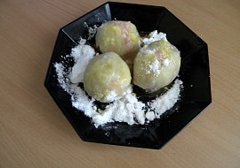 Ovocné knedlíky ze spařovaného těsta--jednoduché recept ...